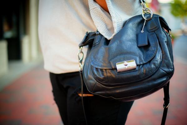 coach-black-satchel-on-robincharmagne